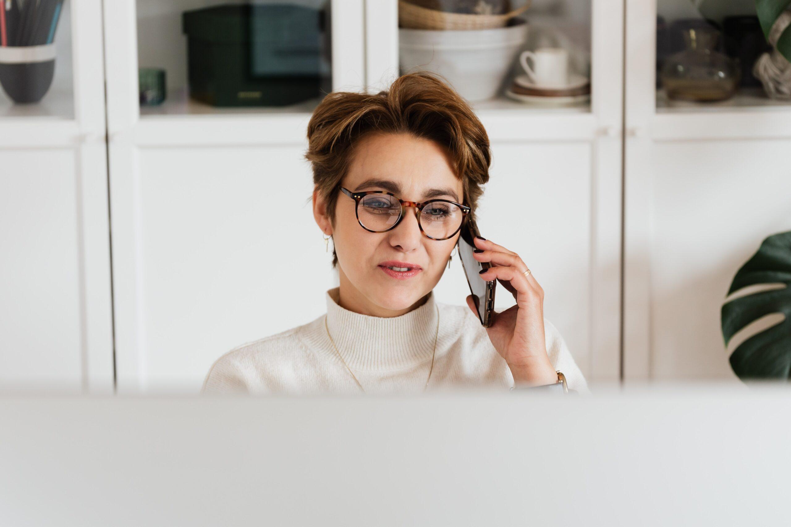 Telefongespräch Steuerberatung